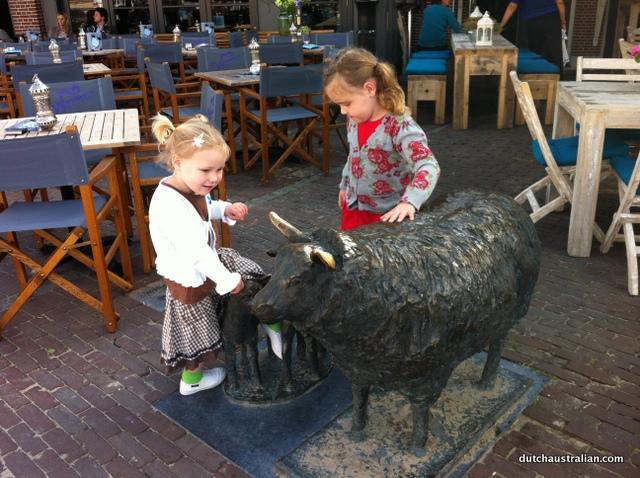 schagen sheep statues