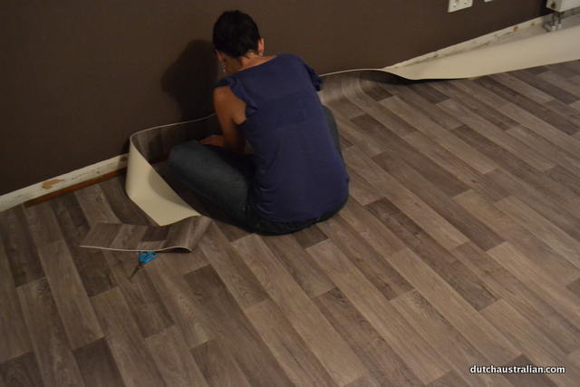 laying vinyl flooring