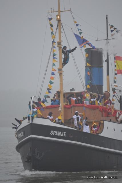 zwarte piet on the mast