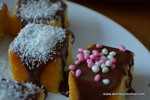 lamington with muisjes